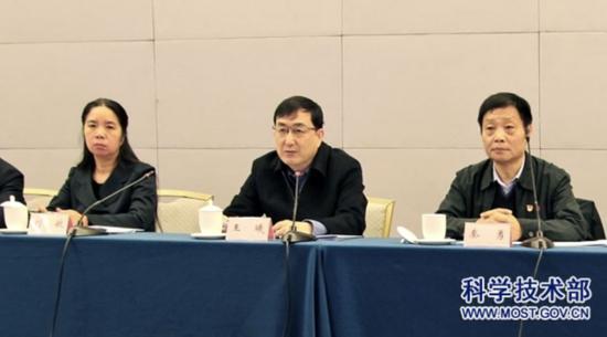 全讯网新2资讯-CC直播打造赛事评论栏目《辣评时刻》