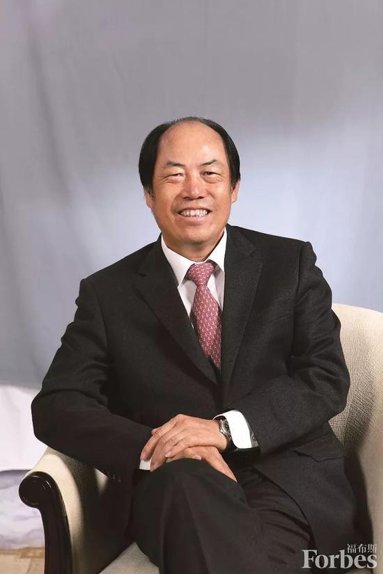 杨国强捐16.5亿位列中国慈善榜榜眼:18岁前没穿过鞋
