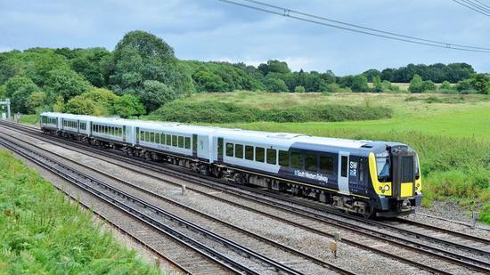 与汽车相关的创业项目_抛弃柴油 英国开始试行首条由太阳能驱动的铁路线