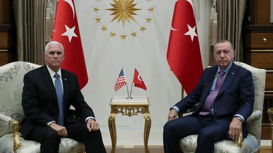 土耳其与美国达成停火协议后,里拉跃升至近两周高位