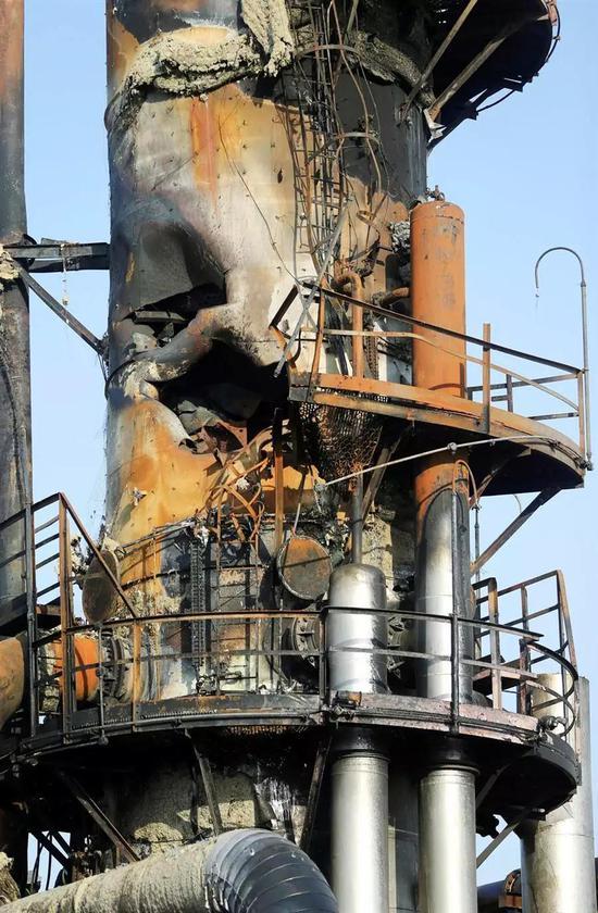 沙石油设施被炸惨况曝光(照片)