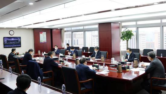 光大银行董事长李晓鹏:积极承担央企责任 主动加强信贷投放