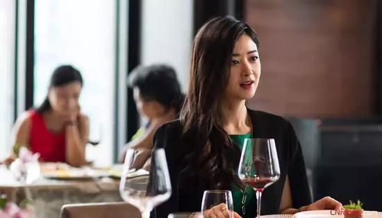 《歡樂頌》 |樊勝美在看到邱瑩瑩男友在上海按揭一套房時,受到1萬點傷害