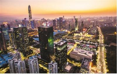 深圳市中心夜景。   新华社记者 毛思倩摄