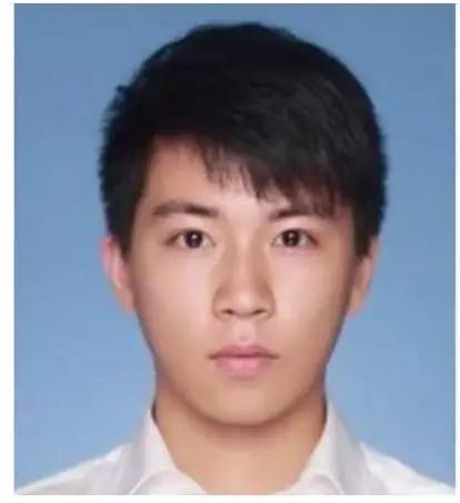 「八达娱乐场官方网站」青岛市70名新中国同龄人一起观看阅兵共庆祖国生日