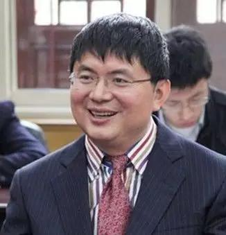 明天系創始人 XIAO建華