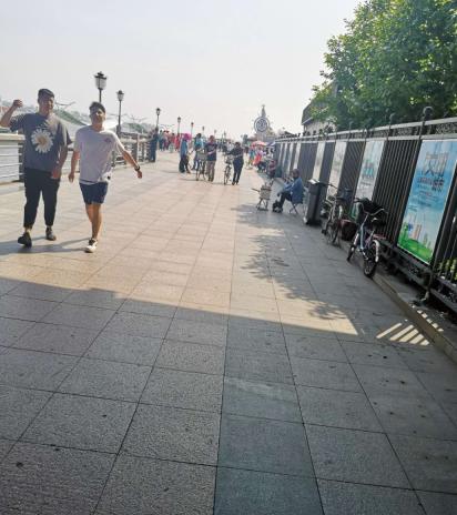 记者眼中的鸭绿江公园街边小摊
