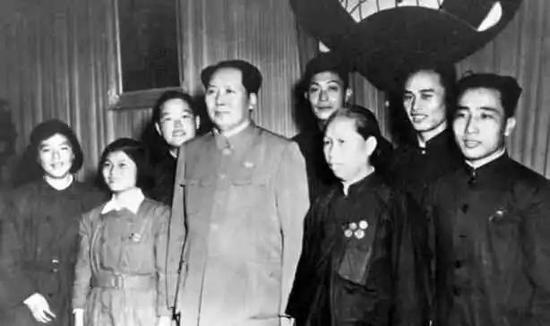 毛泽东会见群众,北京,1950年