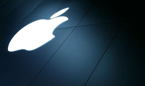 苹果万亿:登上顶峰 走下神坛