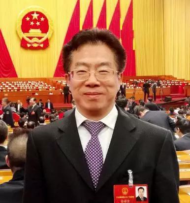 ▲ 徐诺金    中国人民银行郑州中心支行党委书记、行长