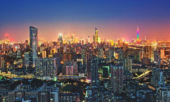 盛松成:警惕新一轮房价上涨 坚持房地产调控不动摇