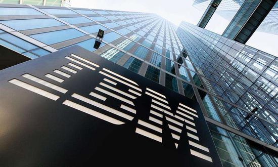 """营收同比再度下滑,""""百岁老人""""IBM靠分拆能否焕发活力?"""