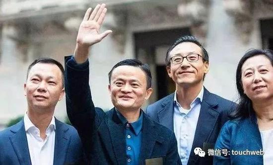 """兴发游戏官网-重庆市巴蜀小学""""1+1+N""""文化互助走进凉山"""