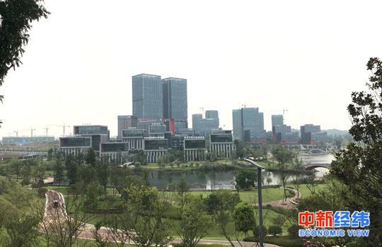 新濠天地手机网址·台北初见|台湾自由行之宁夏夜市