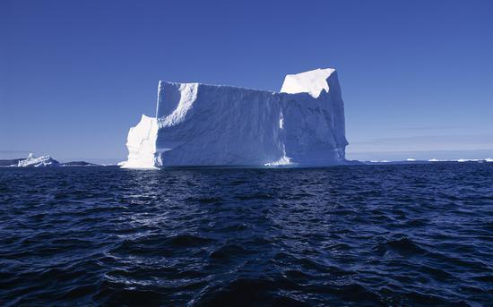 科学家对格陵兰岛冰川消融发出警告:将影响全球市场