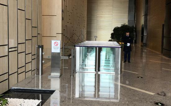 獐子岛股东大会通过董事调整议案 记者持股入场被拒
