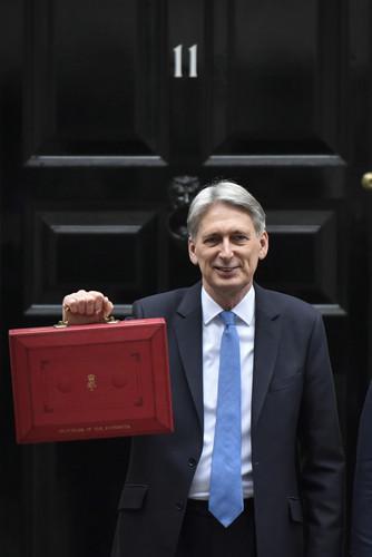 """英国脱欧后或与中国进入""""蜜月期"""":中国财大气粗"""