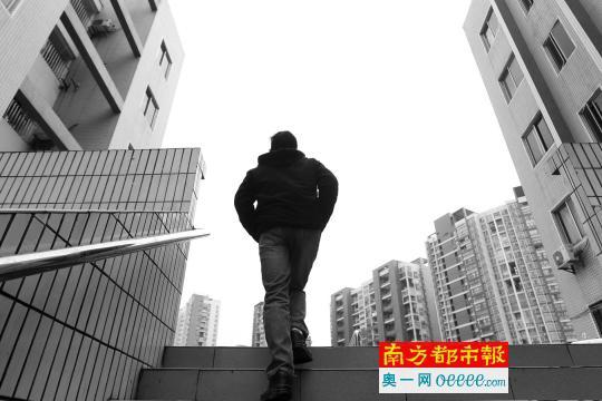 """反映自身陷入""""培训贷""""每人""""被贷款""""2.1万元的学员如今已增至21人。南都记者刘有志摄"""