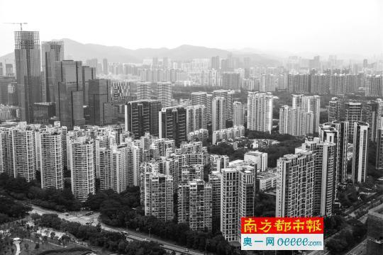 深圳南山中心区域的楼群。