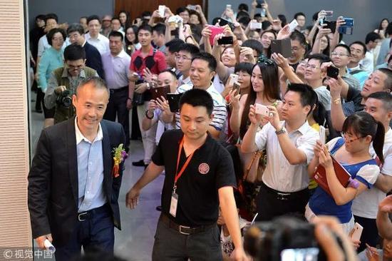 ▲2014年6月,深圳,王石演讲《底线与荣誉》,现场吸引了3000余听众