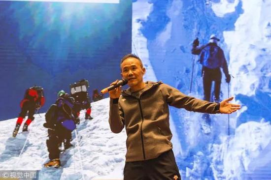 ▲2017年11月,昆明,王石演讲《三座山峰》