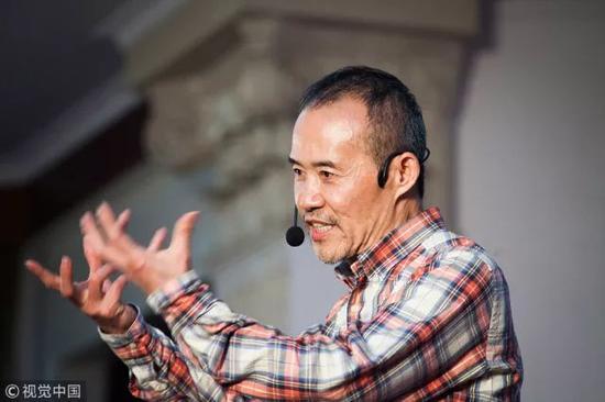 ▲2016年3月,中山大学,王石大学行,以亚洲赛艇联合会主席的身份推广赛艇文化