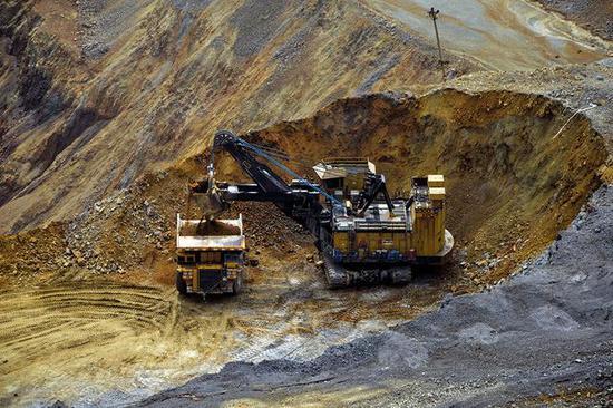 矿业产能由生态环境压力大的国内转向境外环境负担相对宽松的资源富集区已成不可逆之势。图/视觉中国