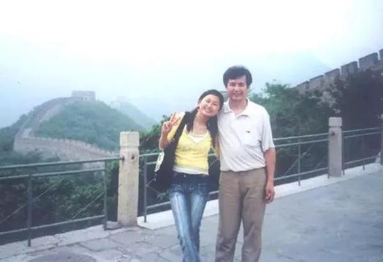 黄鸣和他的女儿(图据黄鸣经理人)