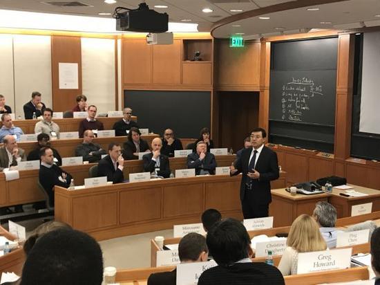 潘刚在哈佛给180位全球企