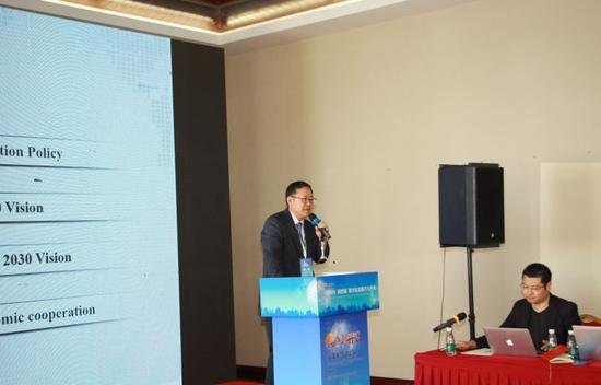 韩国产业研究院经济统计分析本部长、首席研究员 李镇勉