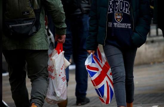 怎样利用网络赚钱_英国8月零售销售零增长 消费者囤积食品备脱欧
