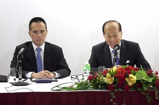 李泽钜(左)和李嘉诚(右)