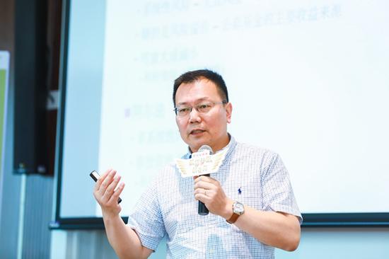 上海高级金融学院副院长、金融学教授 严弘