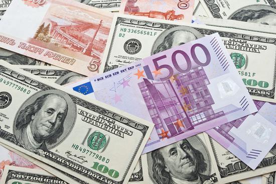 美元兑欧元回吐涨幅 因美消费者信心疲软