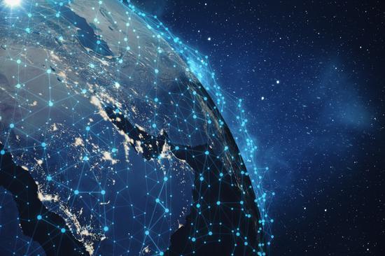 巨头加码LEO卫星 贝佐斯与马斯克角逐太空互联网霸主