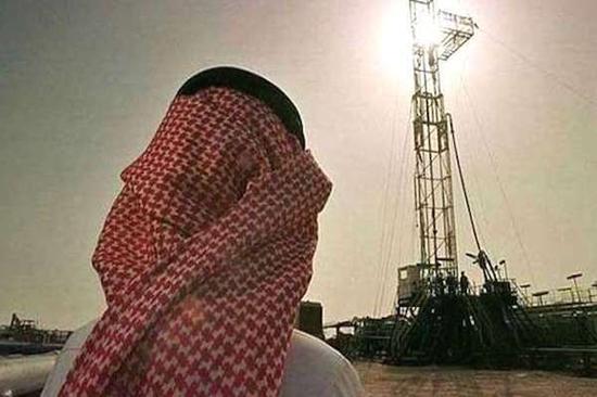 沙特预期赤字增加 财政收入减少