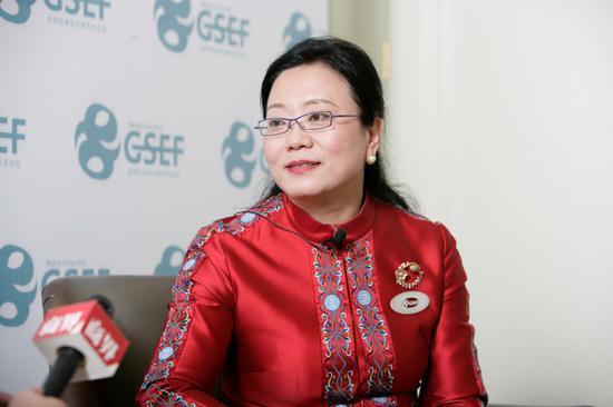 「尊龙人生就是博真人荷官游戏」潘石屹转型无力净利缩水80% SOHO中国5年出售8项目