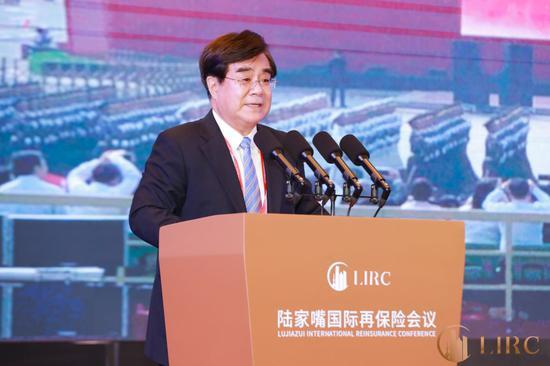 周延礼:回顾中国保险业历经40年的发展 是巨大的跨越