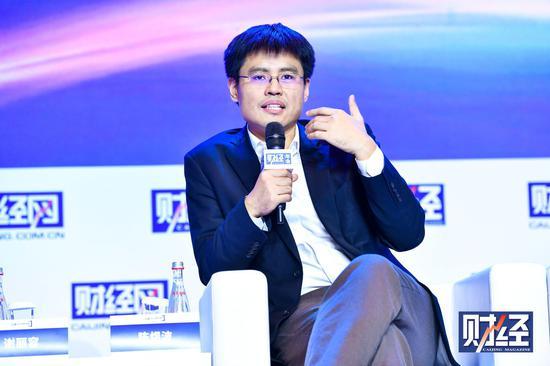 清华大学经济管理学院党委书记兼副院长陈煜波演讲