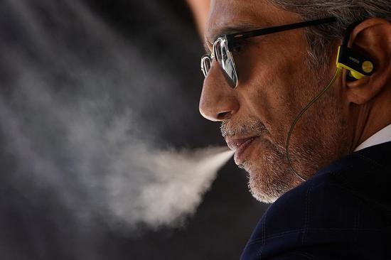 肺病激增加剧保险公司风险 电子