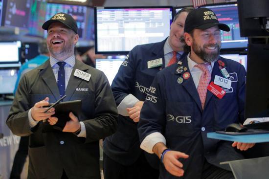 开盘:经济数据与财报好于预期 美股高开