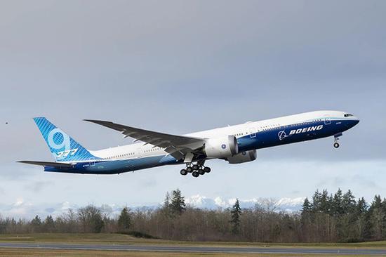 波音777X完成首�w:明年起�_始交付未