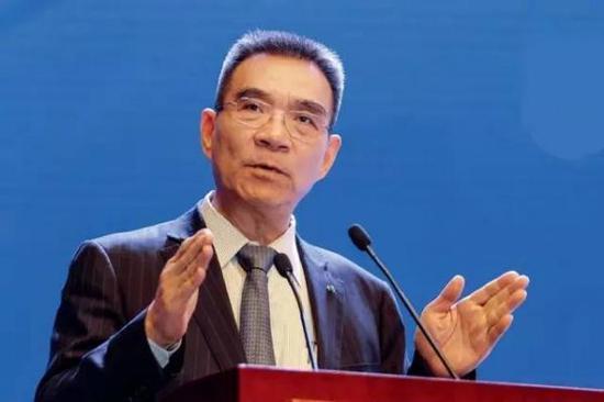 """林毅夫:中国经济像""""航空母舰"""" 不怕外面风雨飘摇"""