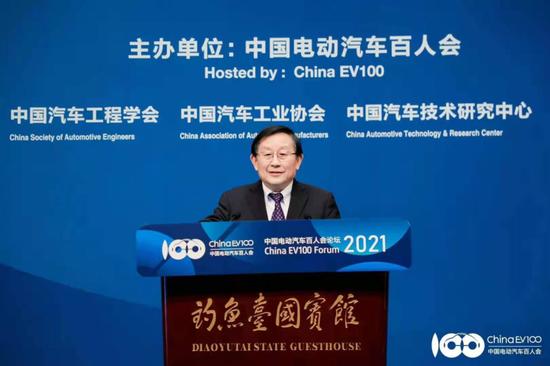 全国政协副主席万钢:新能源汽车进入市场和政策双驱动创新阶段