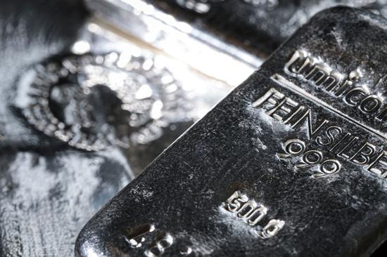 芝商所上调保证金要求 周二白银期货重挫逾10%