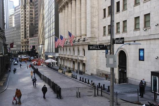 黄金期货价格周跌0.6% 4月上涨3%