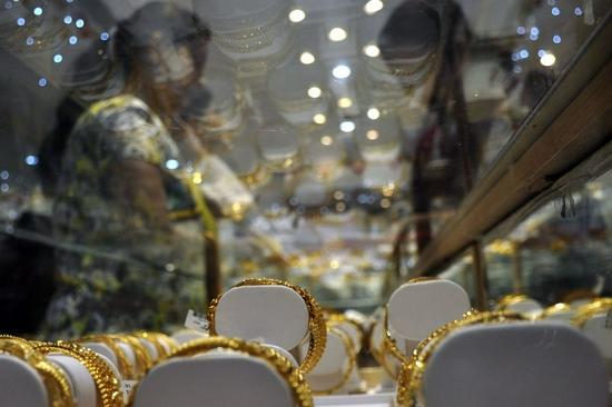 黄金期货周五收高1.5% 本周上涨0.9%