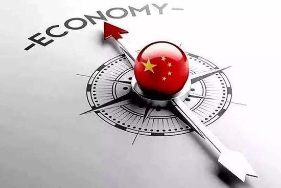 黄益平:金融政策应尊重金融规律