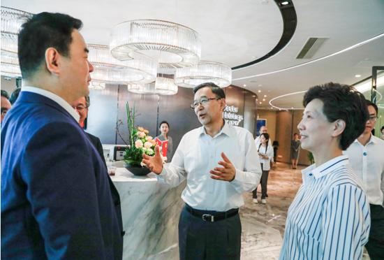 """「最信誉的新锦海」上市一月销量突破两万,荣威RX MAX成为""""新品质""""的起点"""