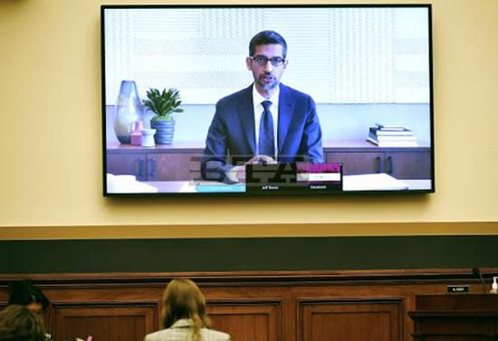 美国会猛批四大科技巨头 主席:不向网络皇帝低头